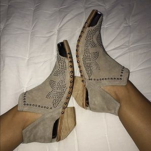 Jeffrey Campbell Oxnard Taupe Suede Silver